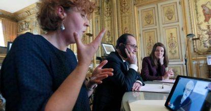 François Hollande A Essayé La Plateforme ELIOZ, Centre Relais Téléphonique Pour Les Personnes Sourdes Et Malentendantes