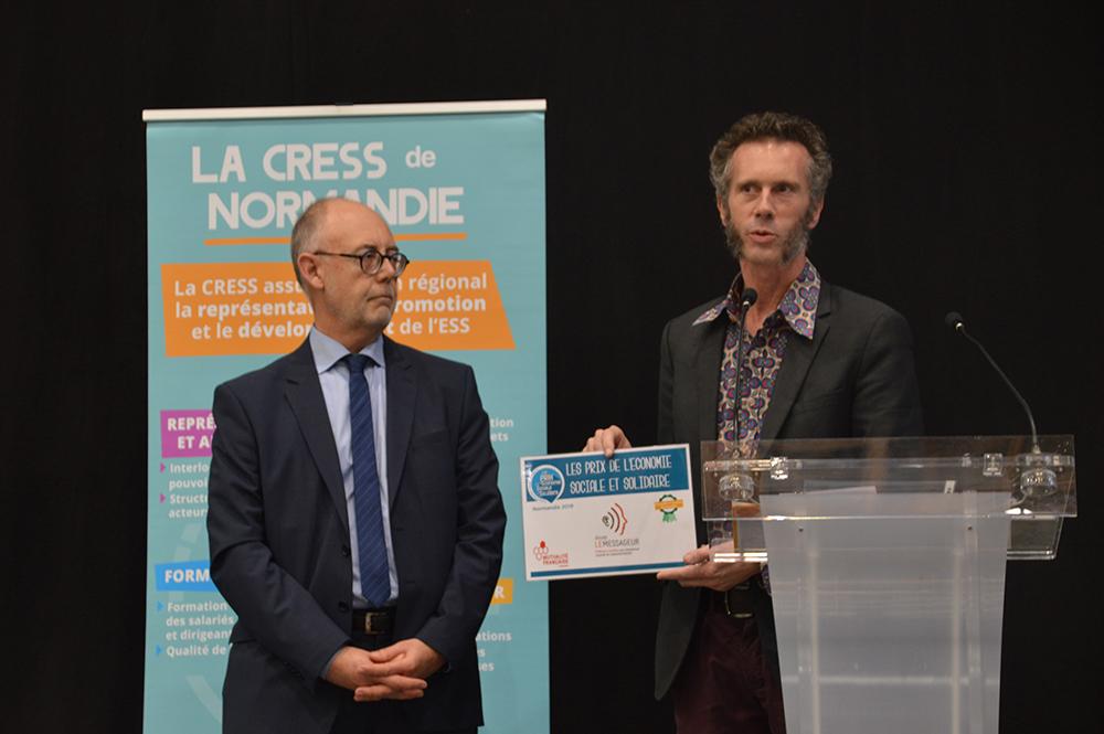La Scop Le Messageur Reçoit Le Prix ESS De Normandie Dans La Catégorie «utilité Sociale»