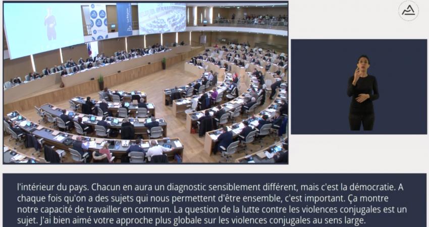 La Session Plénière Du Conseil Régional Auvergne-Rhône-Alpes Du 19 Décembre 2019, Sous-titrée En Direct Par Le Messageur
