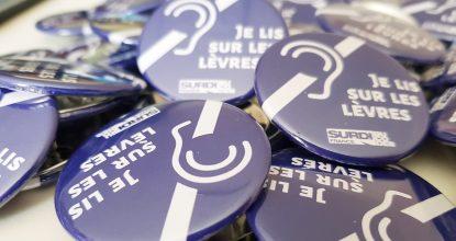 Les Cartes, Badges Et Stickers Du Bucodes SurdiFrance Pour Afficher Sa Surdité