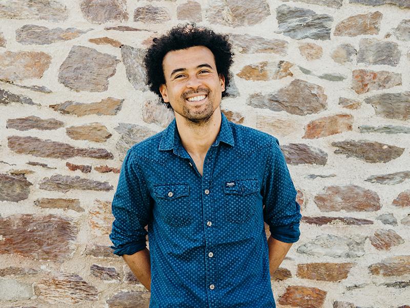 Photo portrait de Jimmy Minier - Chargé de la relation client au Messageur
