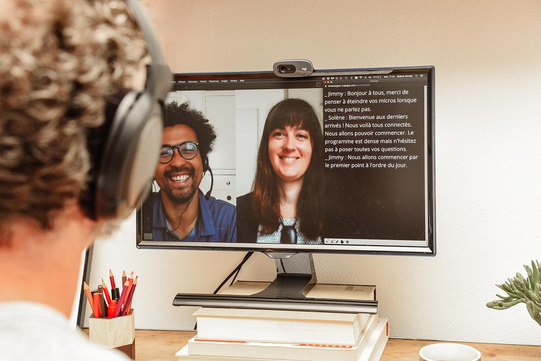 sous-titrage en temps réel de réunions en visioconférences ou de webinaires