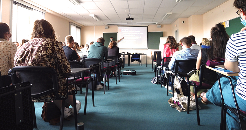 Sensibilisation D'étudiants De L'IRTS De Caen à La Malentendance