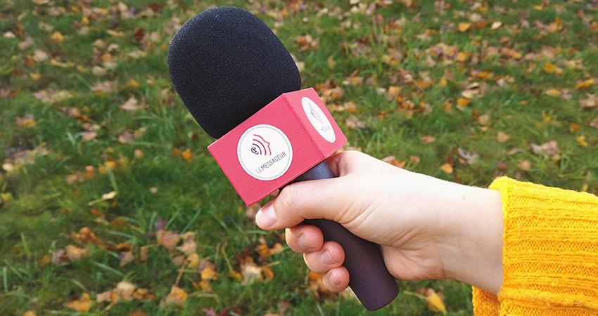 """Le """"microphone - bâton de parole"""" du Messageur"""
