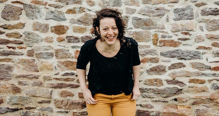 Madeline rejoint Le Messageur comme régisseuse technique