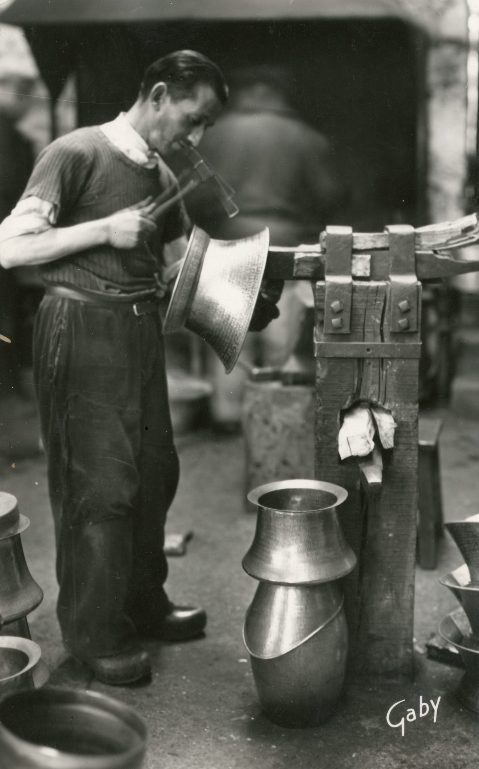 Alfred Boudet, au travail vers 1955